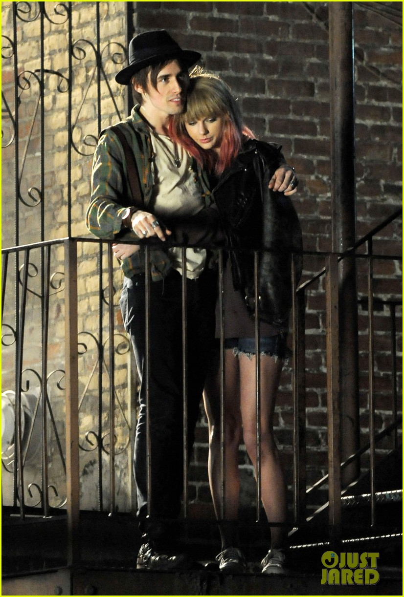 taylor swift short hair for i knew you were trouble video 02