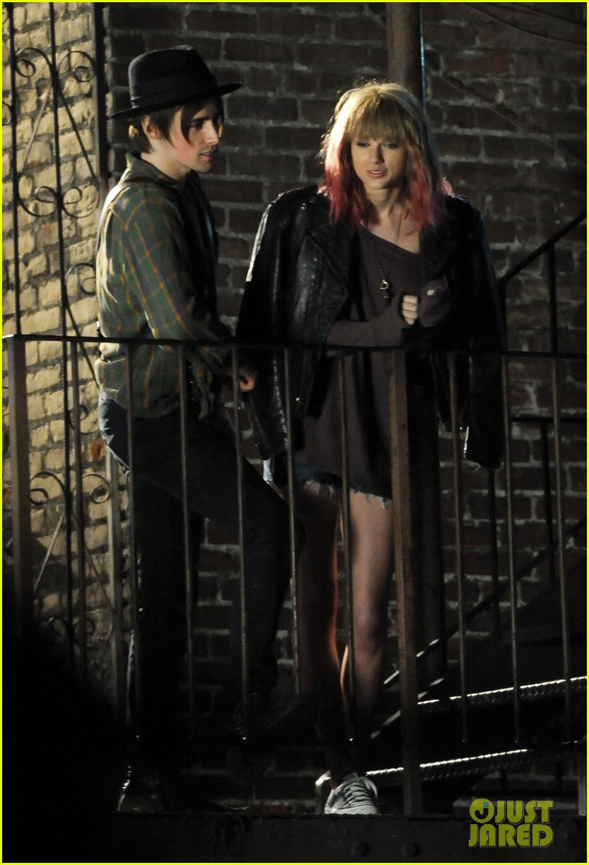 taylor swift short hair for i knew you were trouble video 09