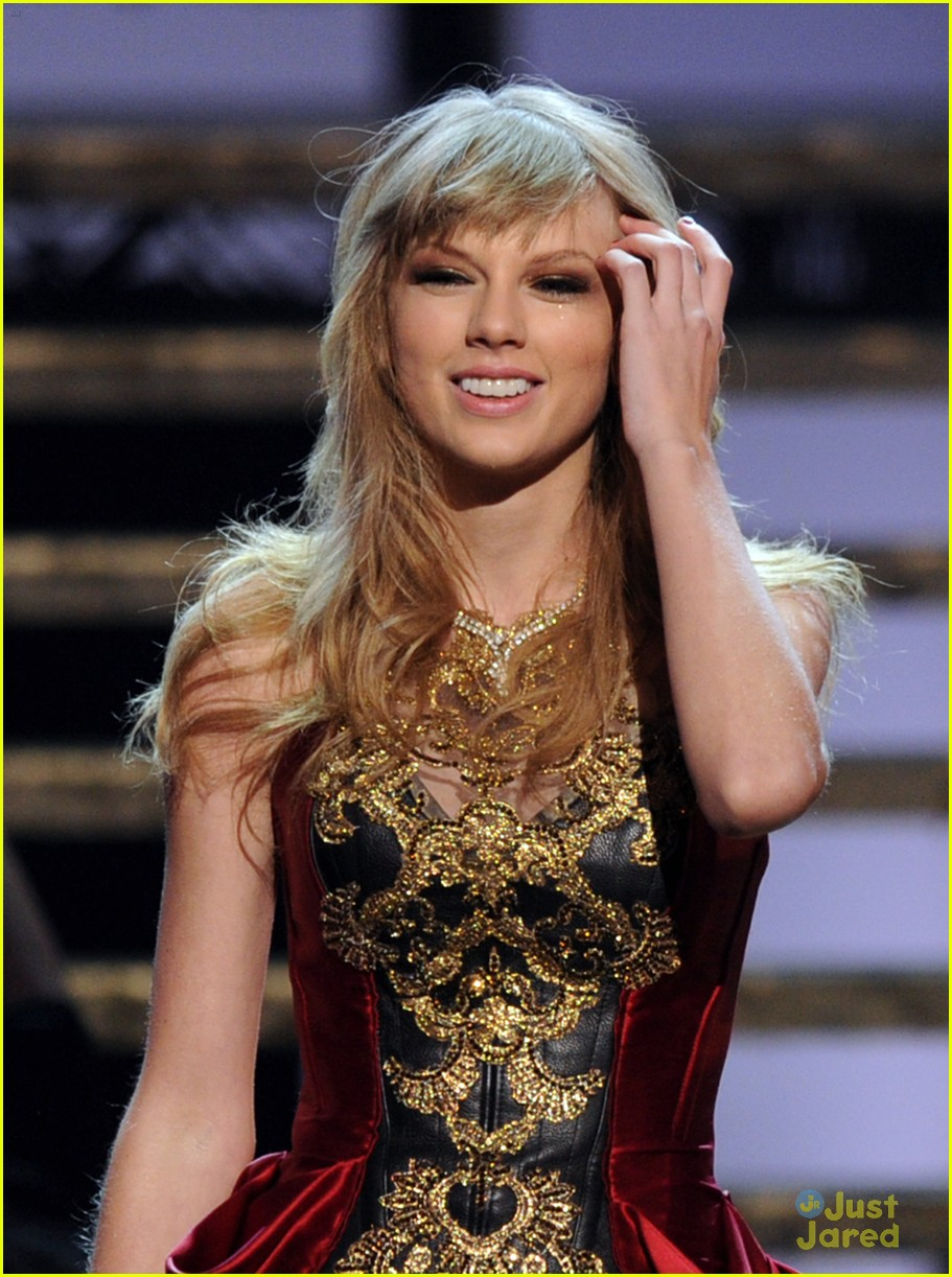 taylor swift trouble amas 05