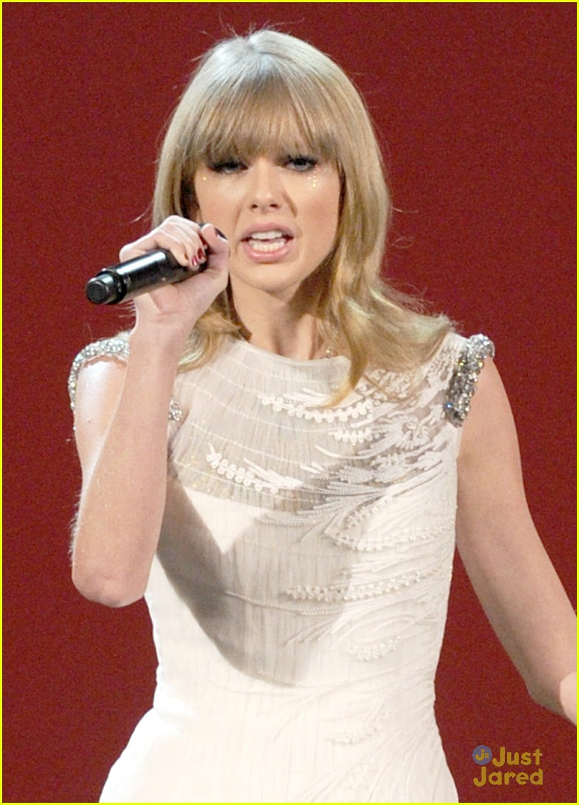 taylor swift trouble amas 09