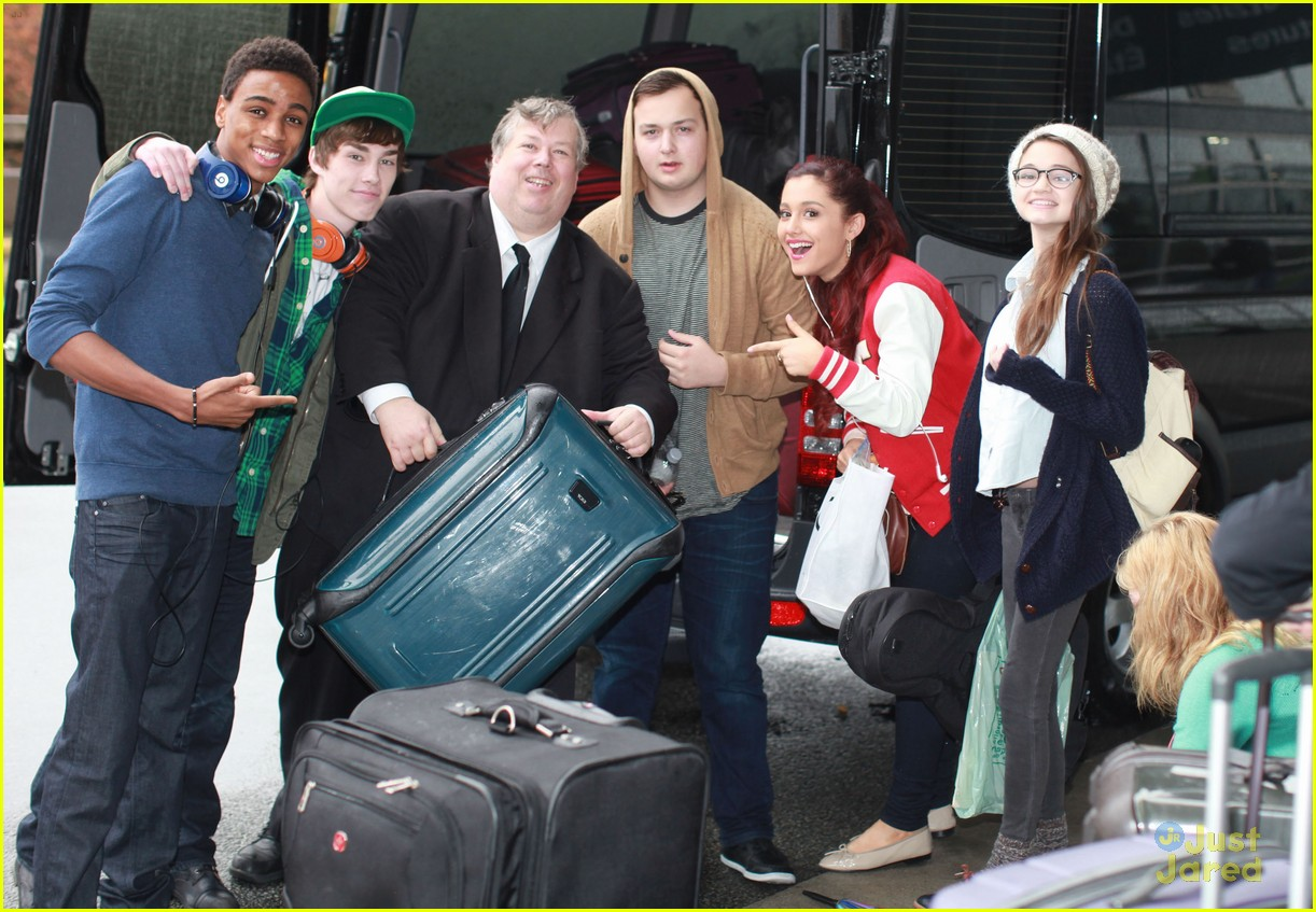 swindle cast vancouver airport 07