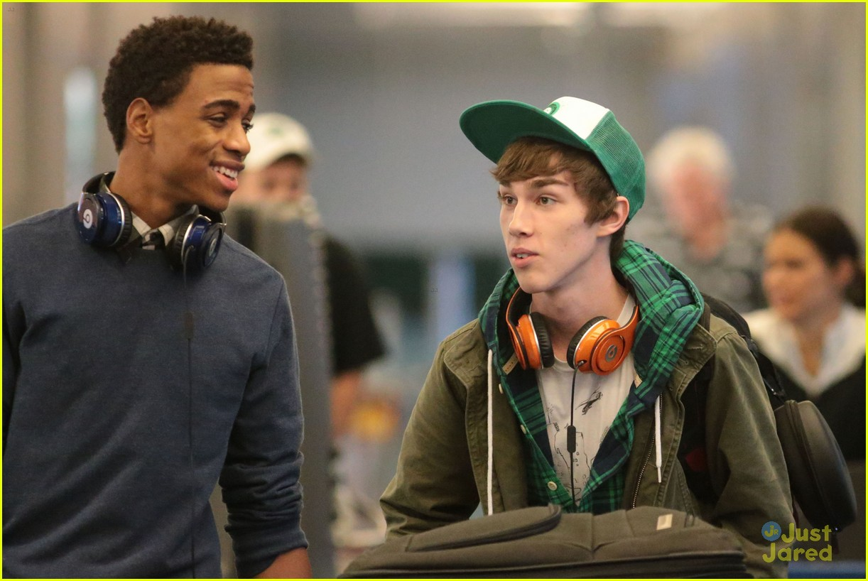swindle cast vancouver airport 19