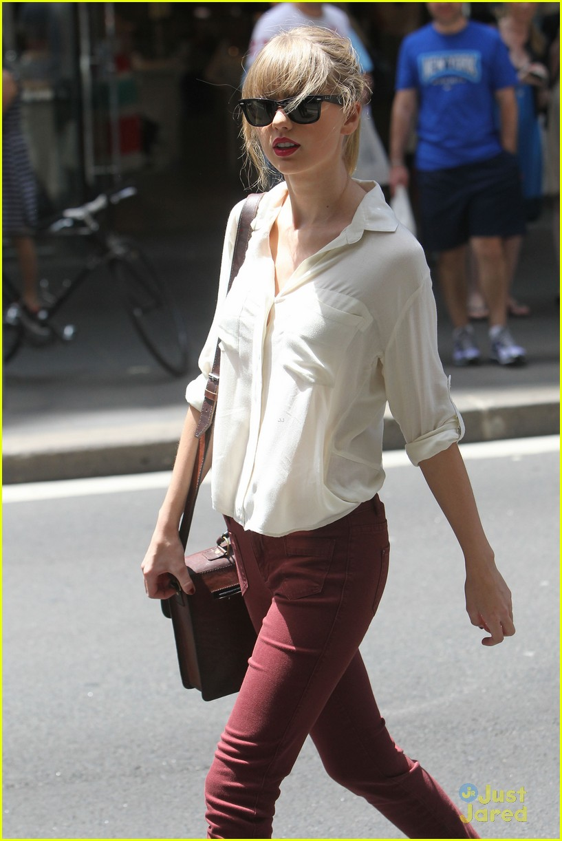 taylor swift sydney shopping spree 26