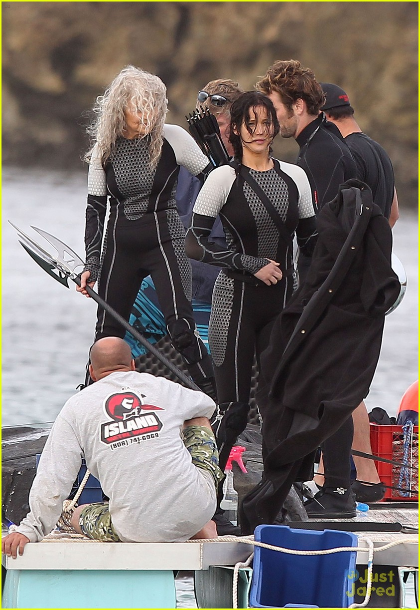 jennifer liam josh thg hawaii 03
