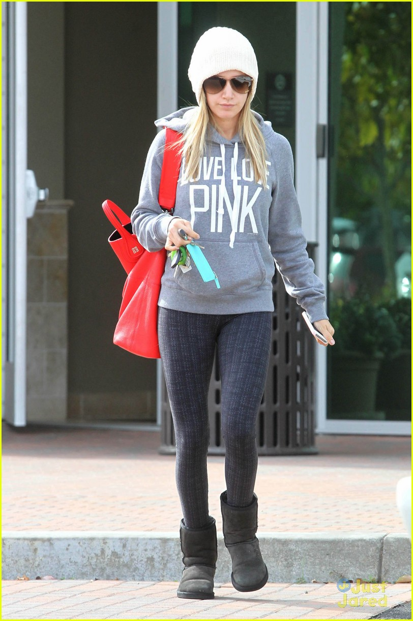 ashley tisdale pink dentist 06