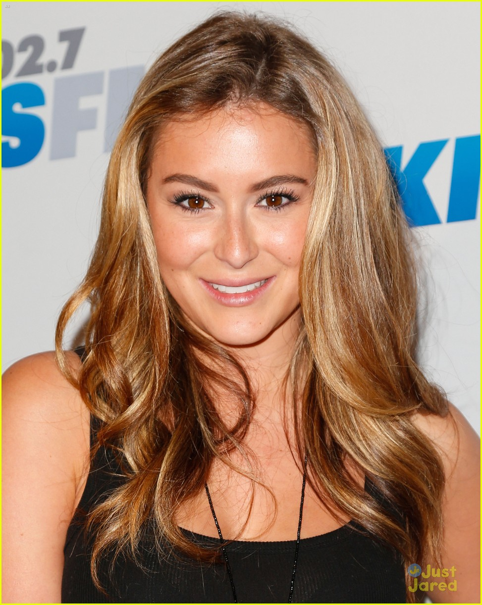 alexa vega jingle ball 07