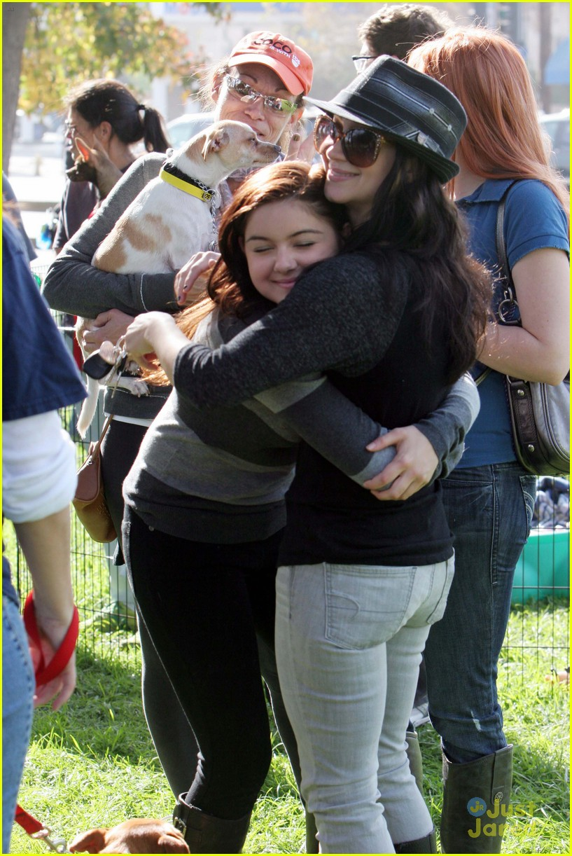 ariel winter puppy love 03