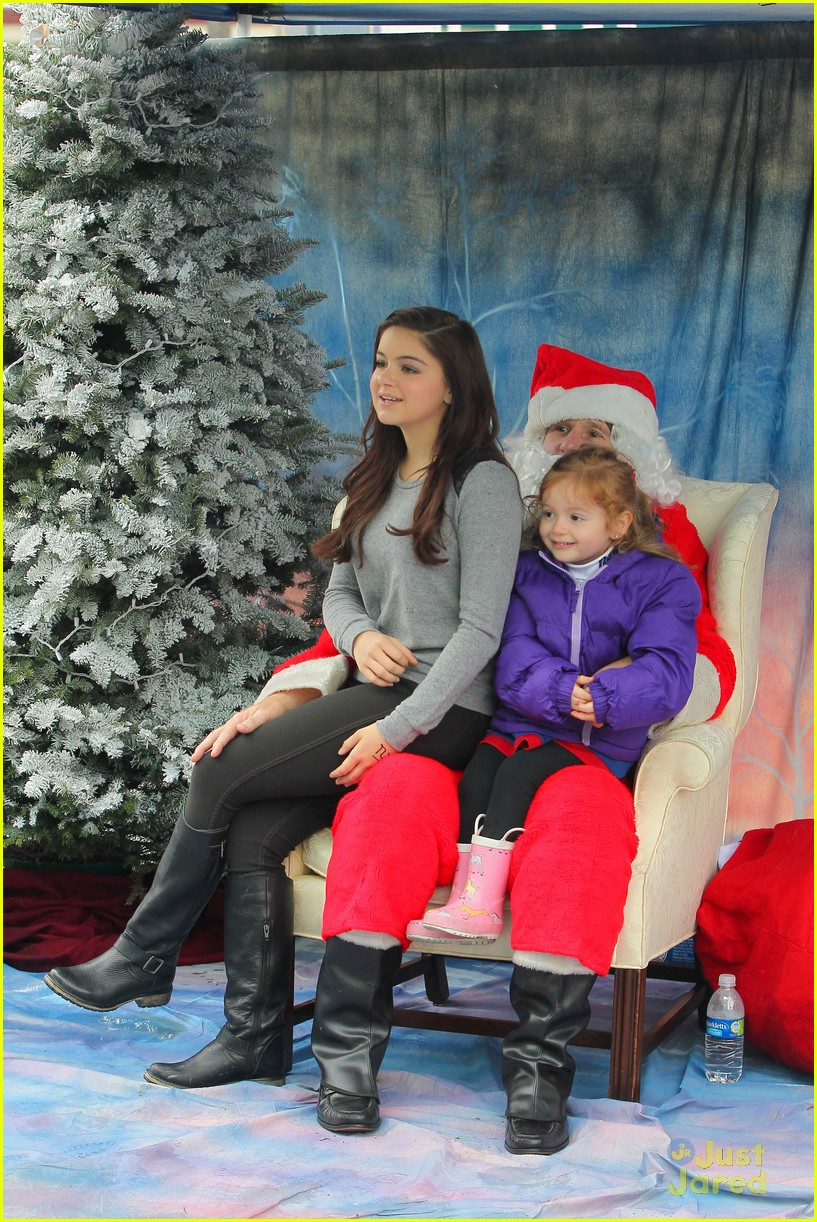 ariel winter santa visit 10