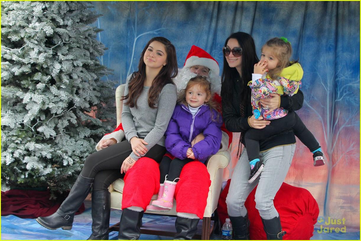 ariel winter santa visit 18