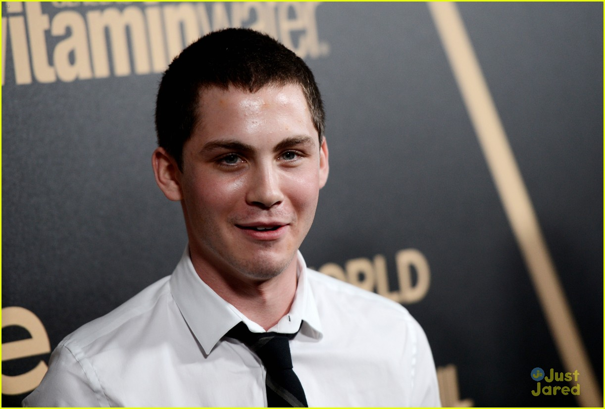 logan lerman callan mcauliffe instyle gg party 10