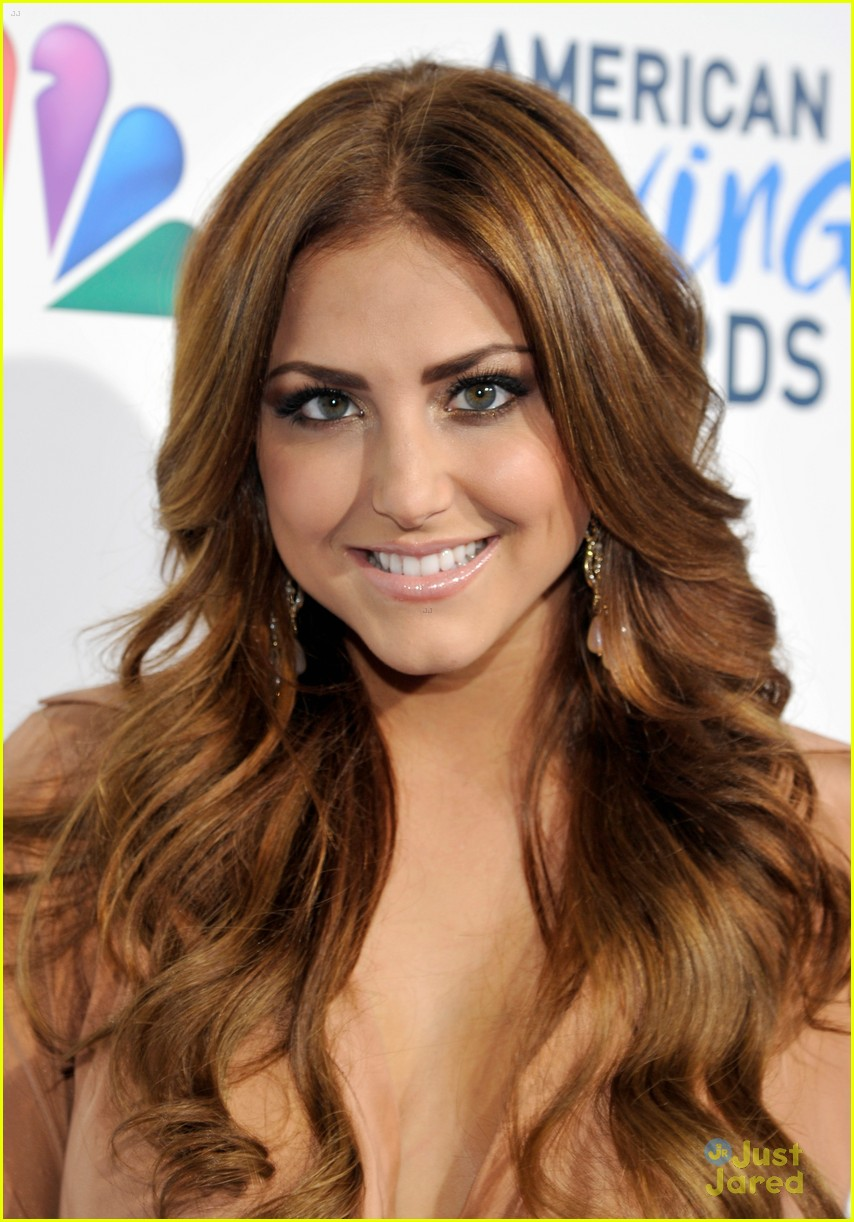 cassie scerbo giving awards 05
