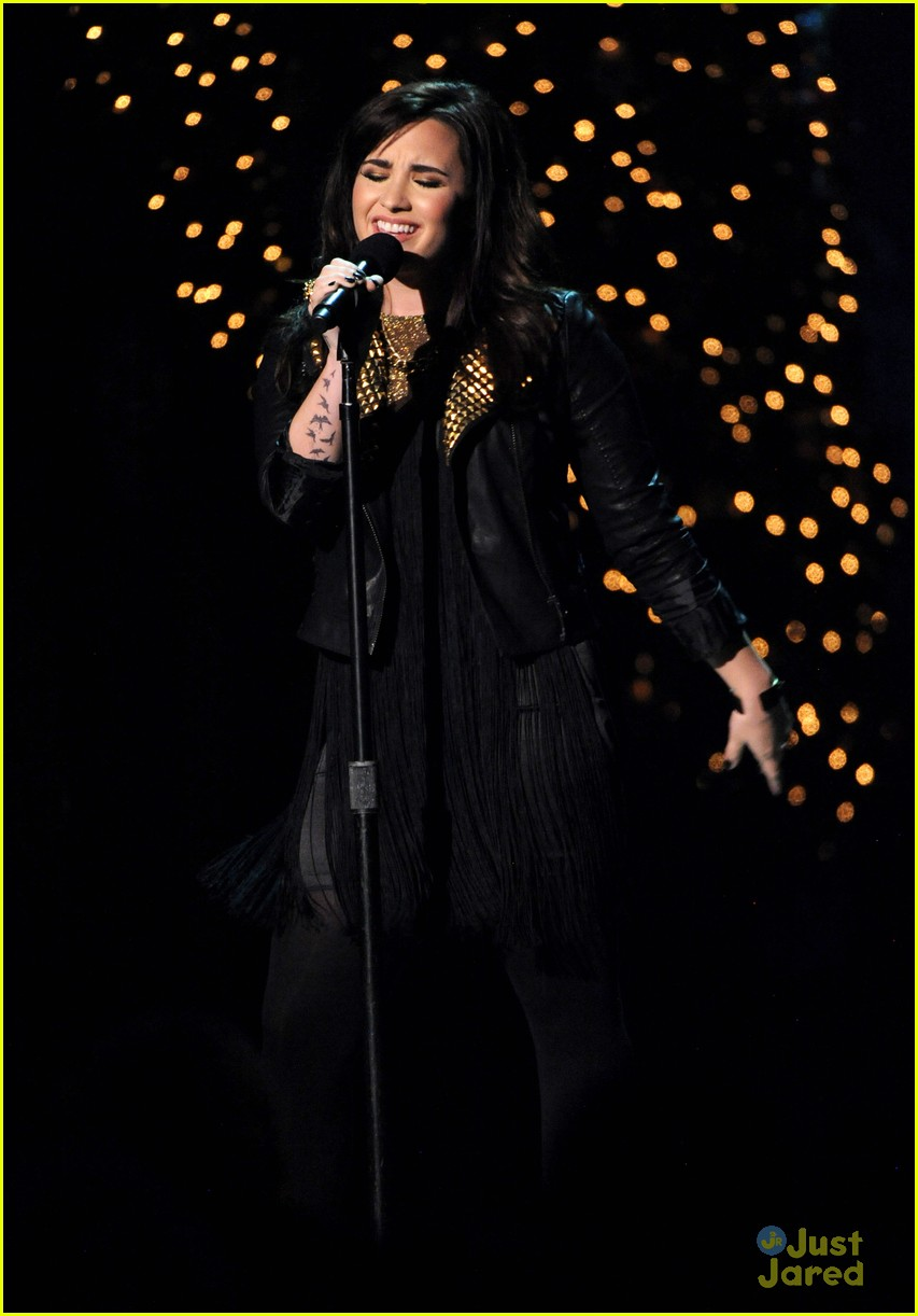 demi lovato christmas washington 04
