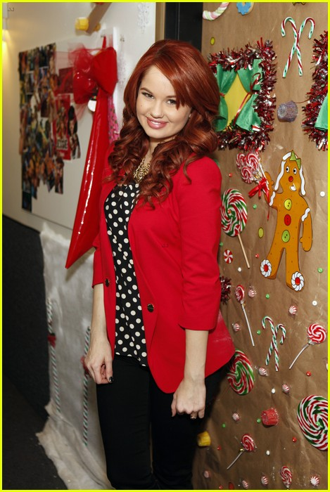 disney channel door decorating 01