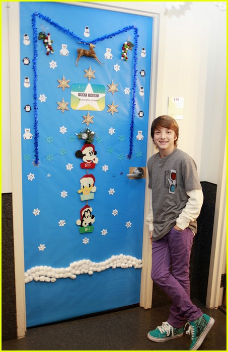 disney channel door decorating 12