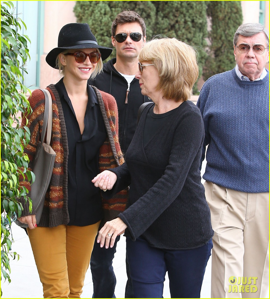 julianne hough ryan seacrest parents 02