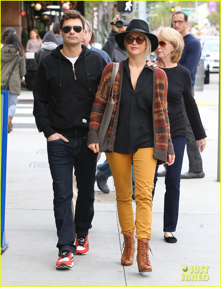 julianne hough ryan seacrest parents 21
