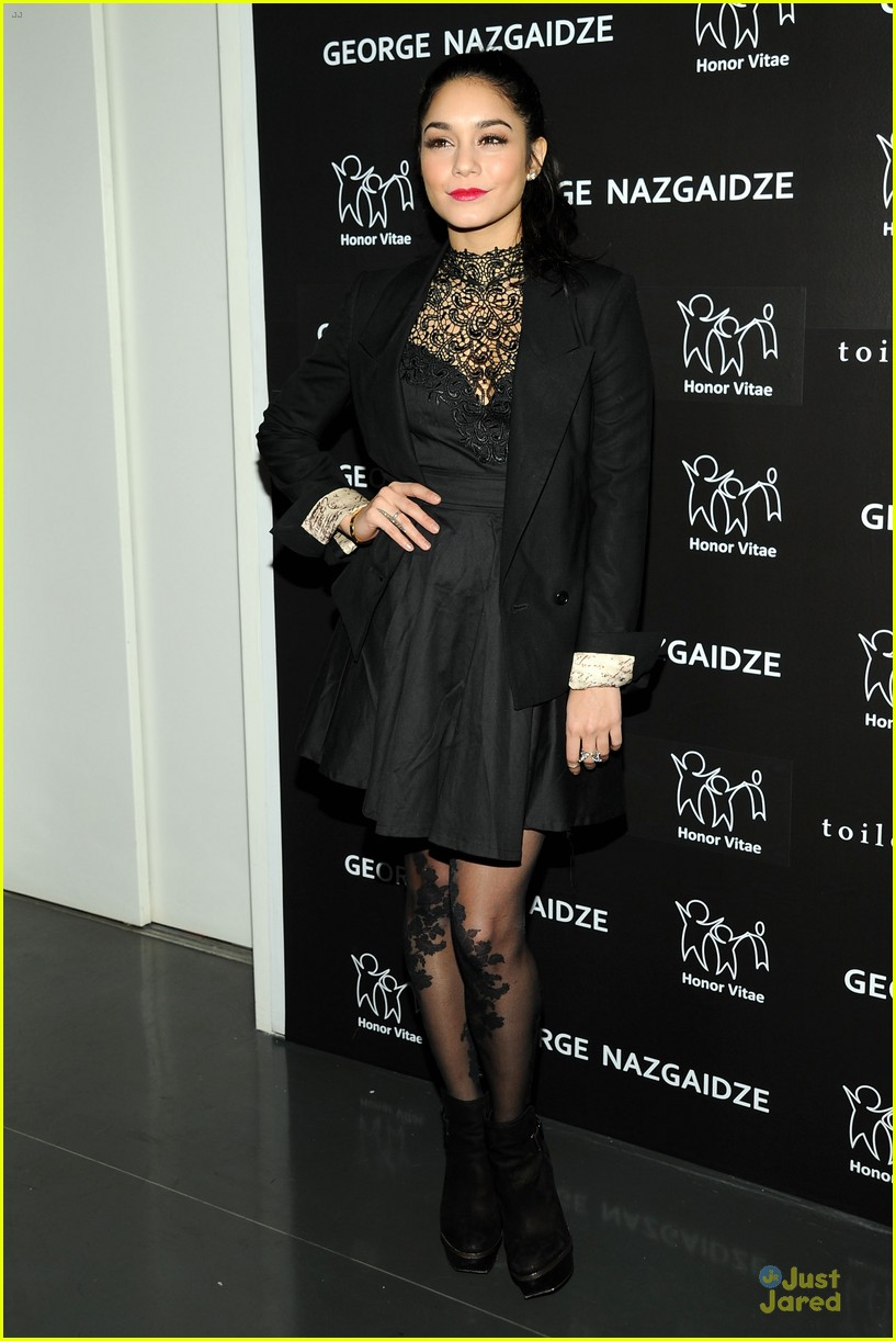 vanessa hudgens charity meets fashion holiday celebration 05