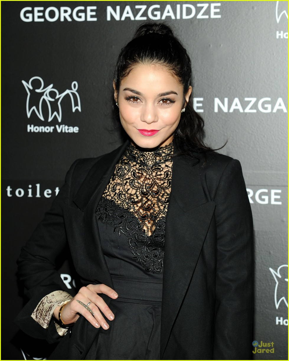 vanessa hudgens charity meets fashion holiday celebration 08