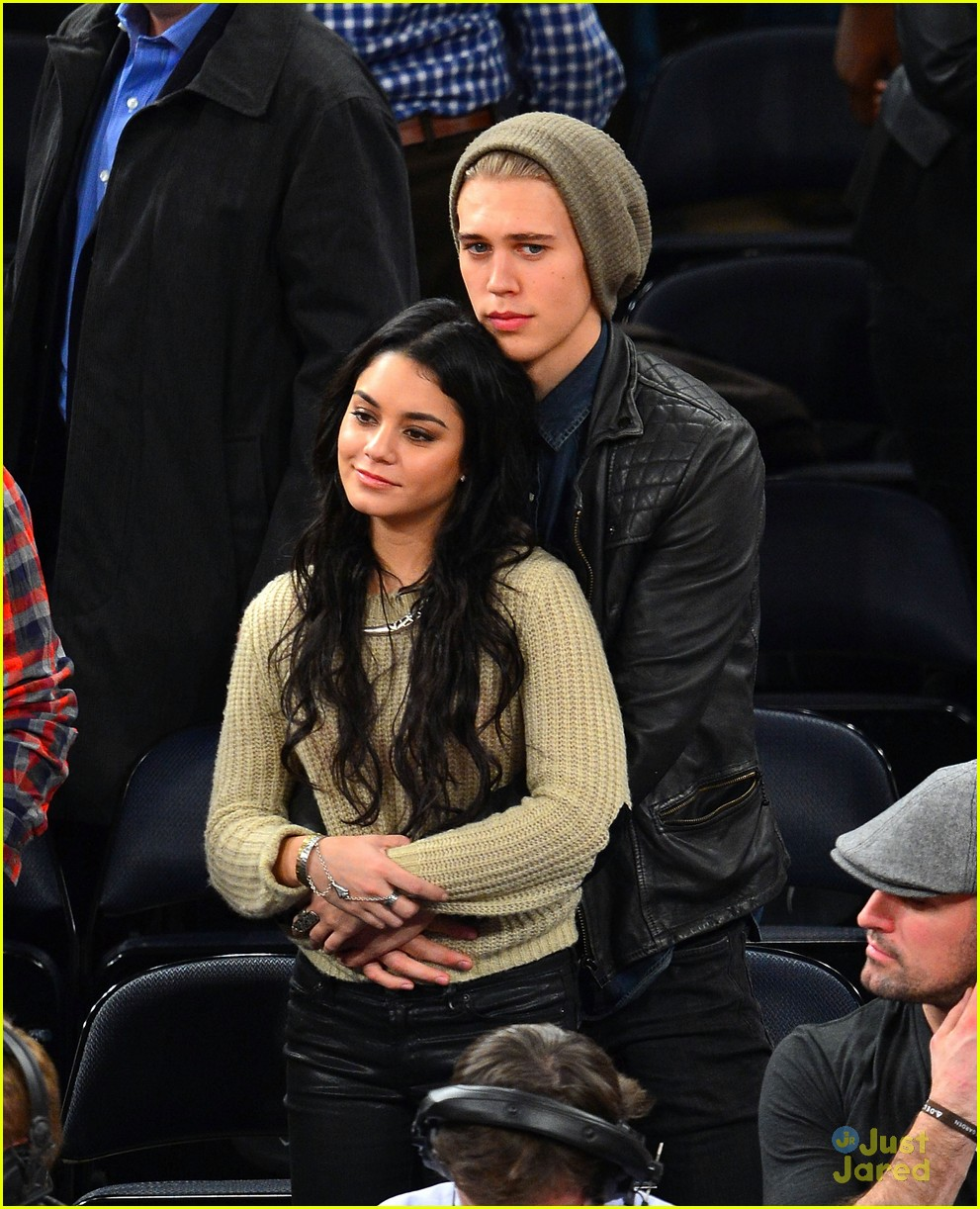 vanessa hudgens austin butler lakers knicks 02