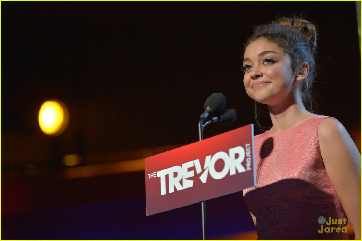 sarah hyland trevor live 04