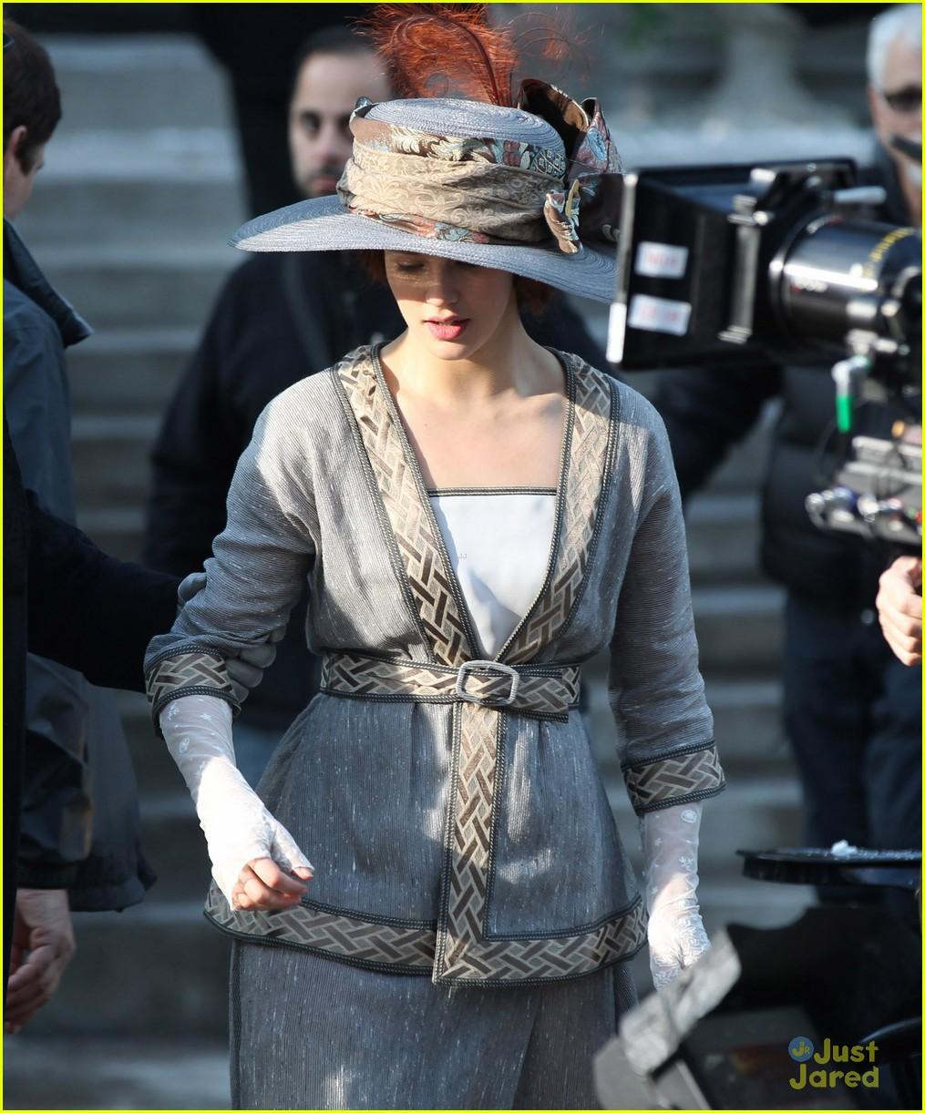 jessica brown findlay winters tale filming 06