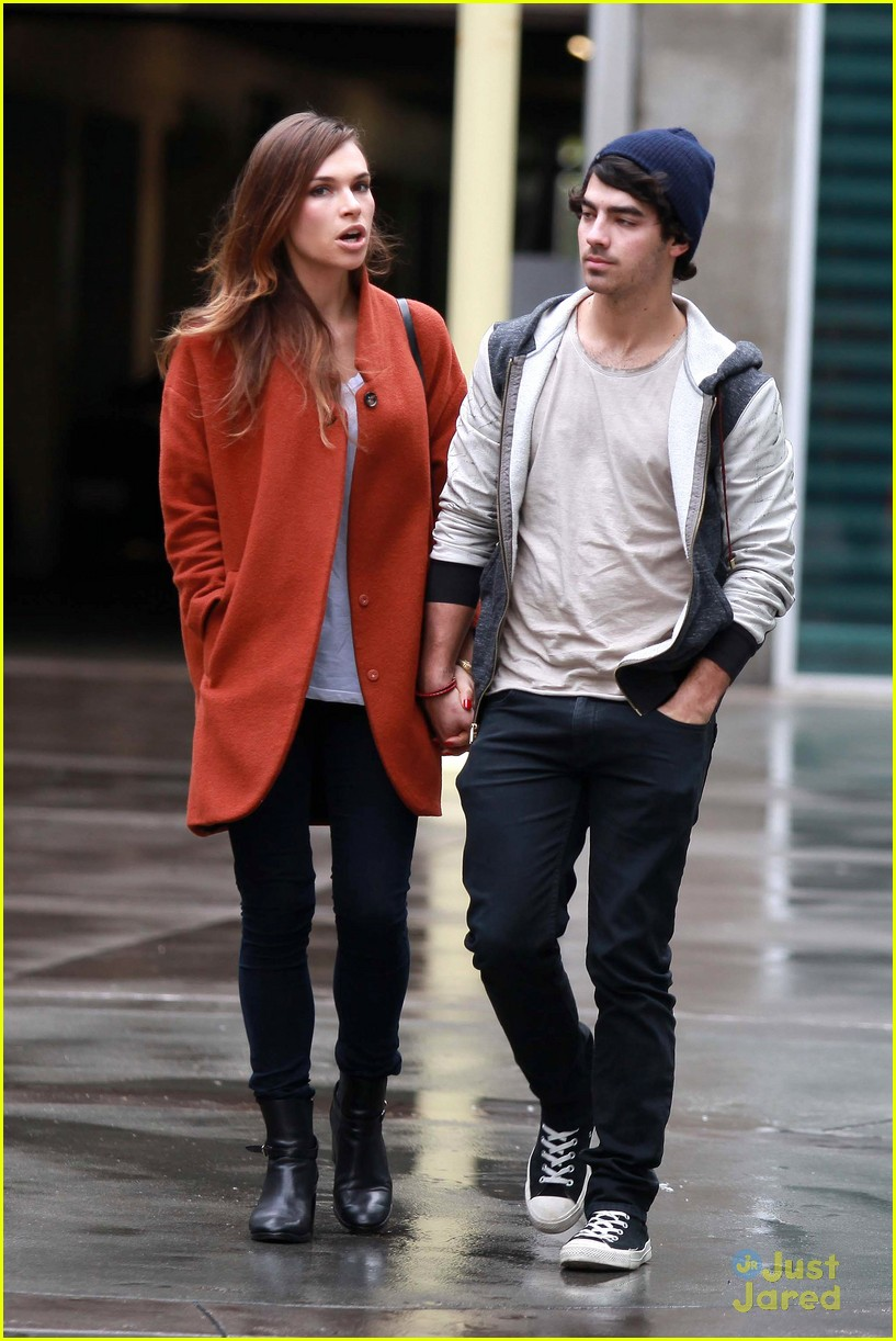 joe jonas blanda brothers lunch 08