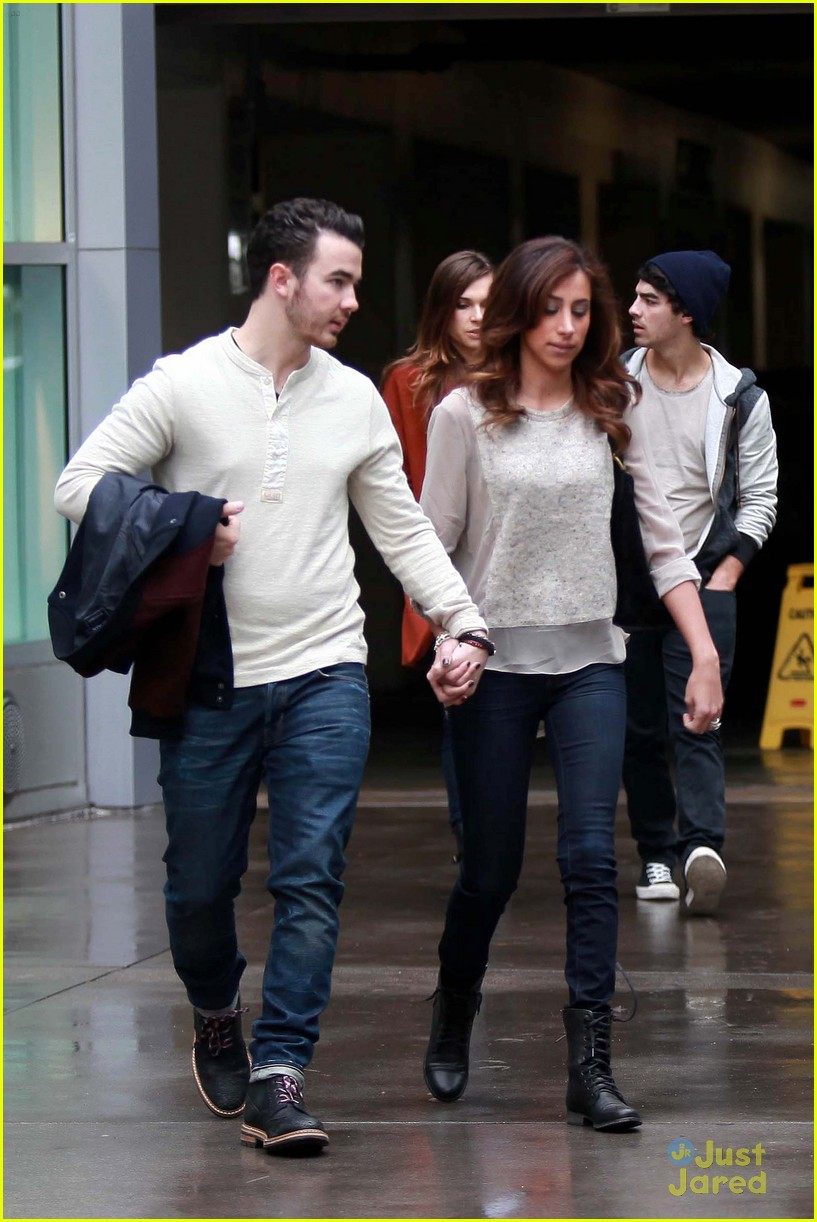 joe jonas blanda brothers lunch 17