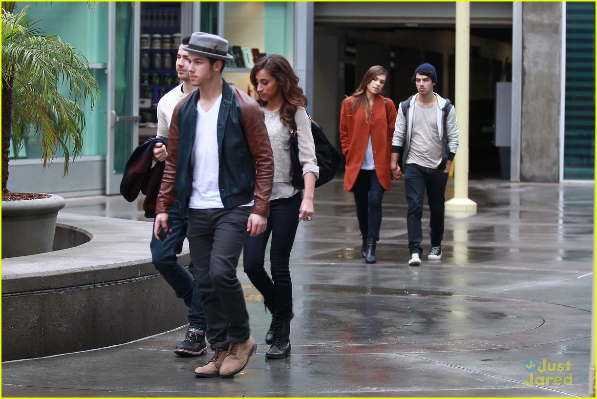 joe jonas blanda brothers lunch 19