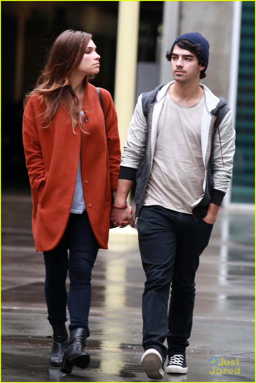 joe jonas blanda brothers lunch 20