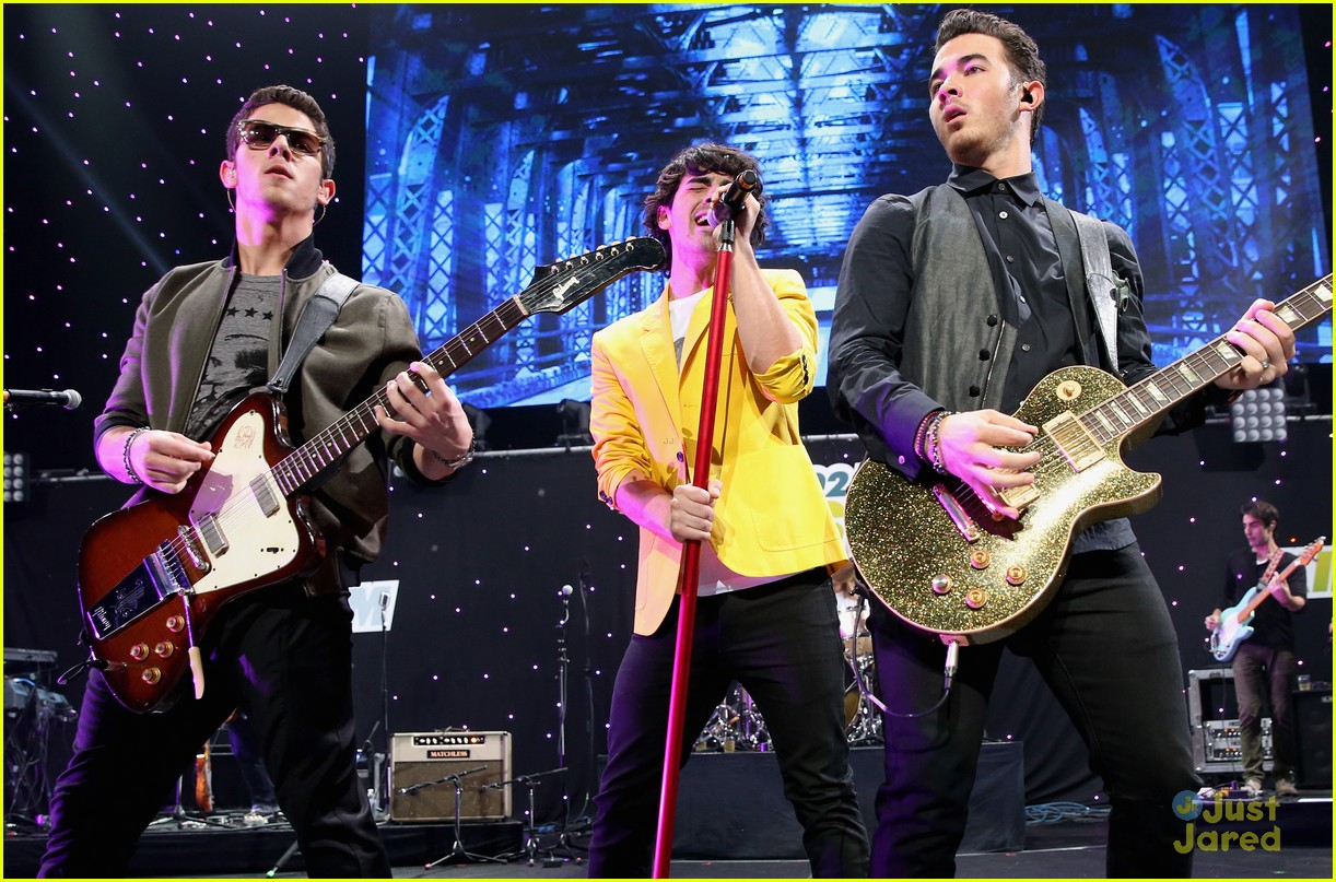 jonas brothers jingle ball 28