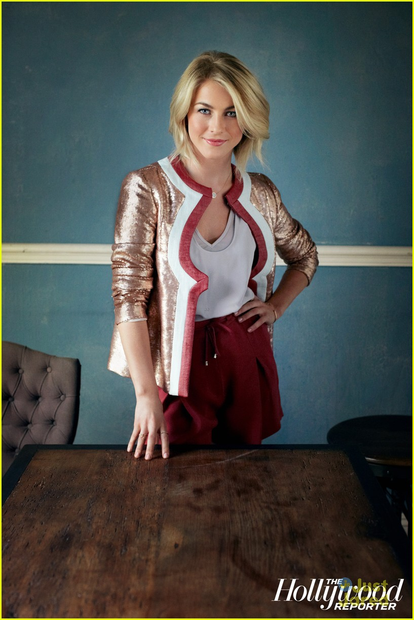 julianne hough safe haven thr 03