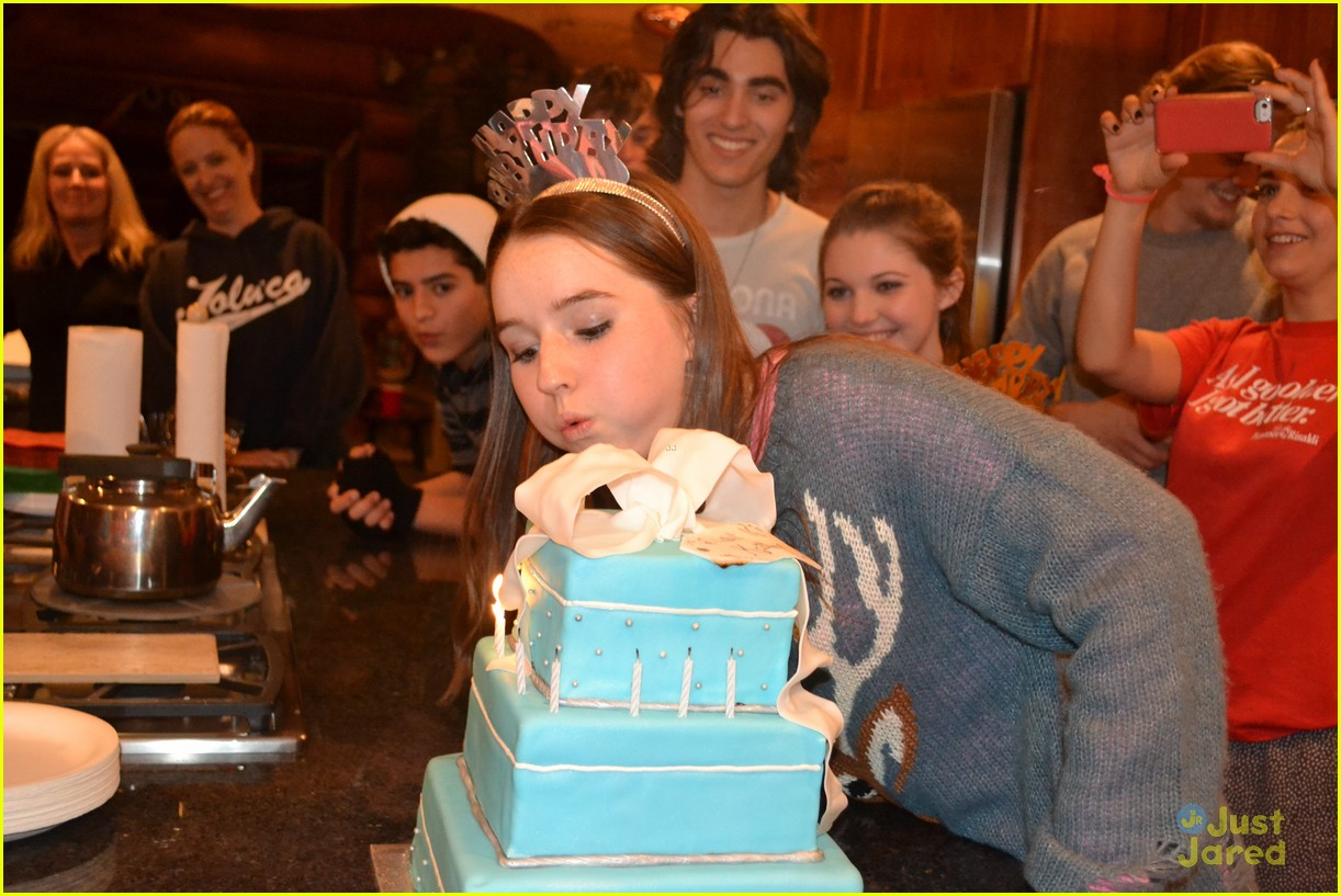 kaitlyn dever sweet 16 party pics 03