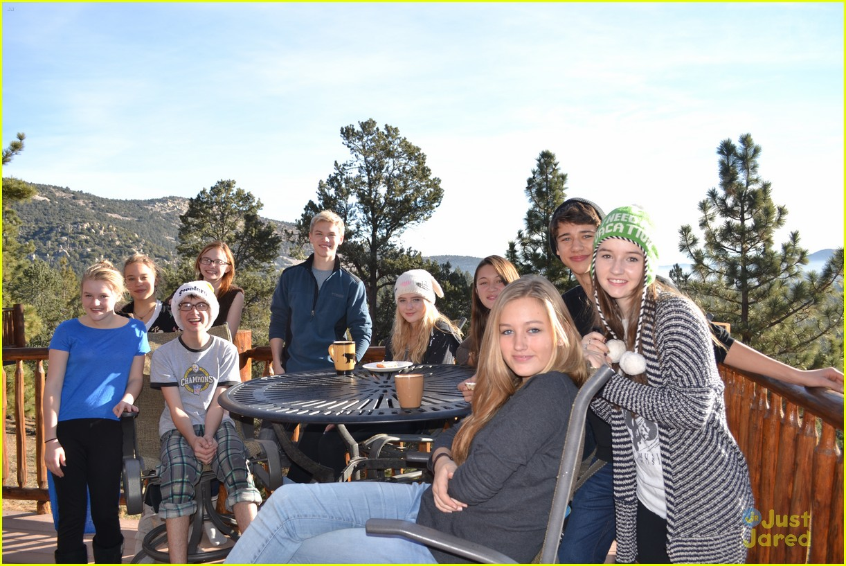 kaitlyn dever sweet 16 party pics 12
