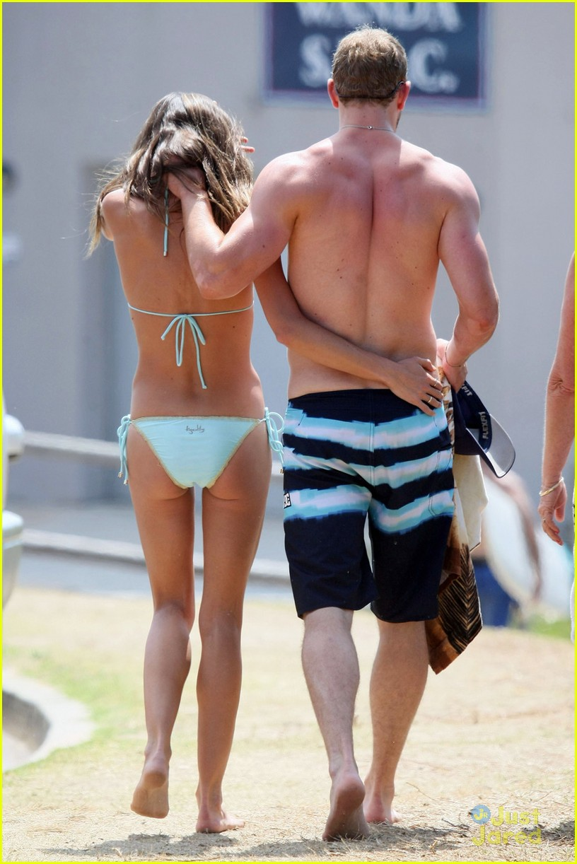 kellan lutz shirtless beach day with sharni vinson 07