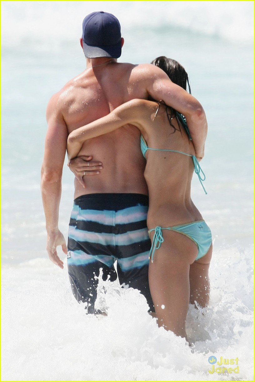 kellan lutz shirtless beach day with sharni vinson 14