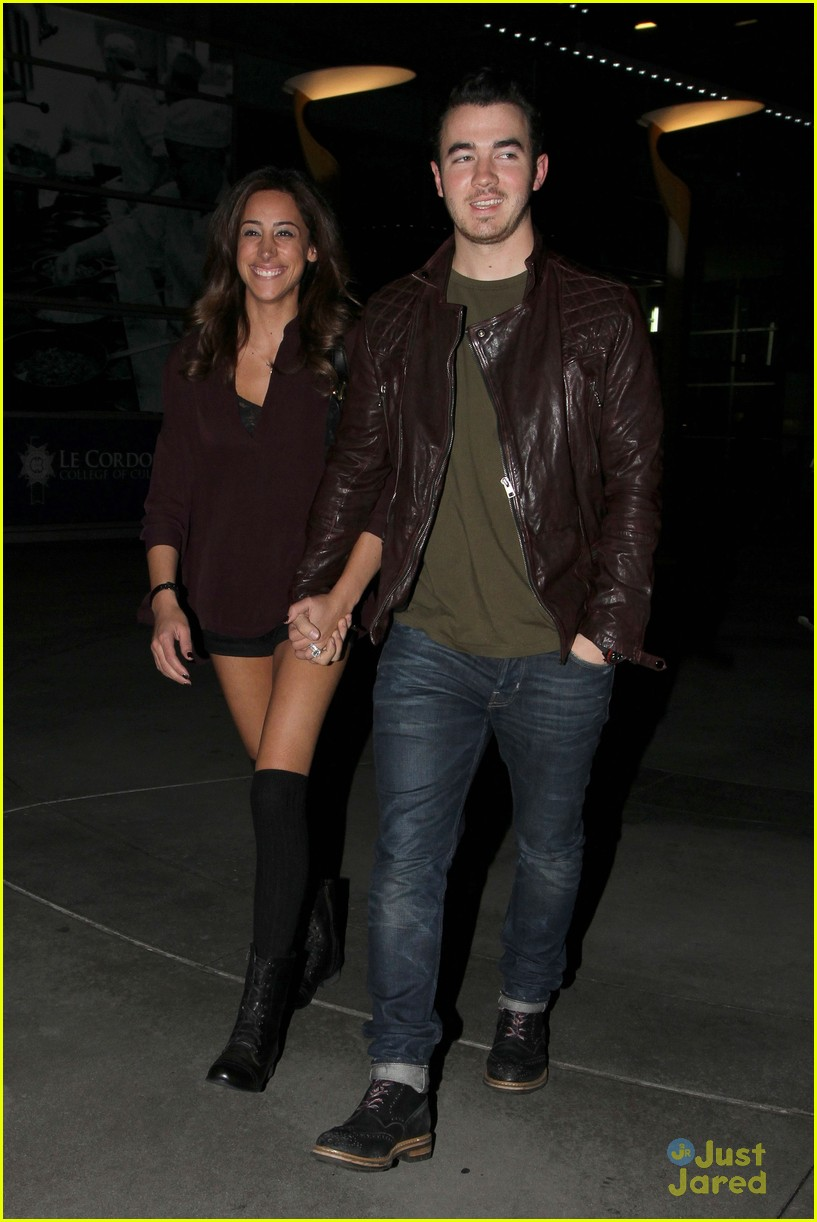 kevin danielle jonas movie date 02