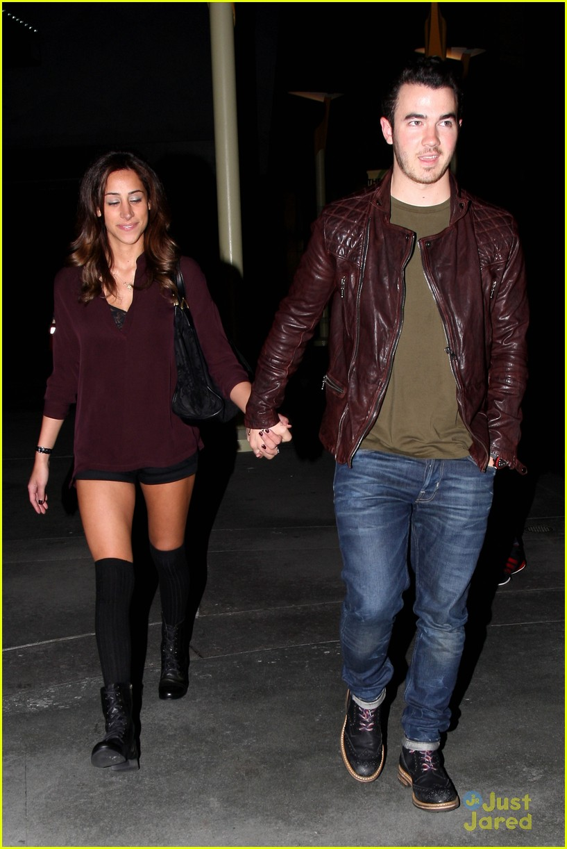 kevin danielle jonas movie date 03