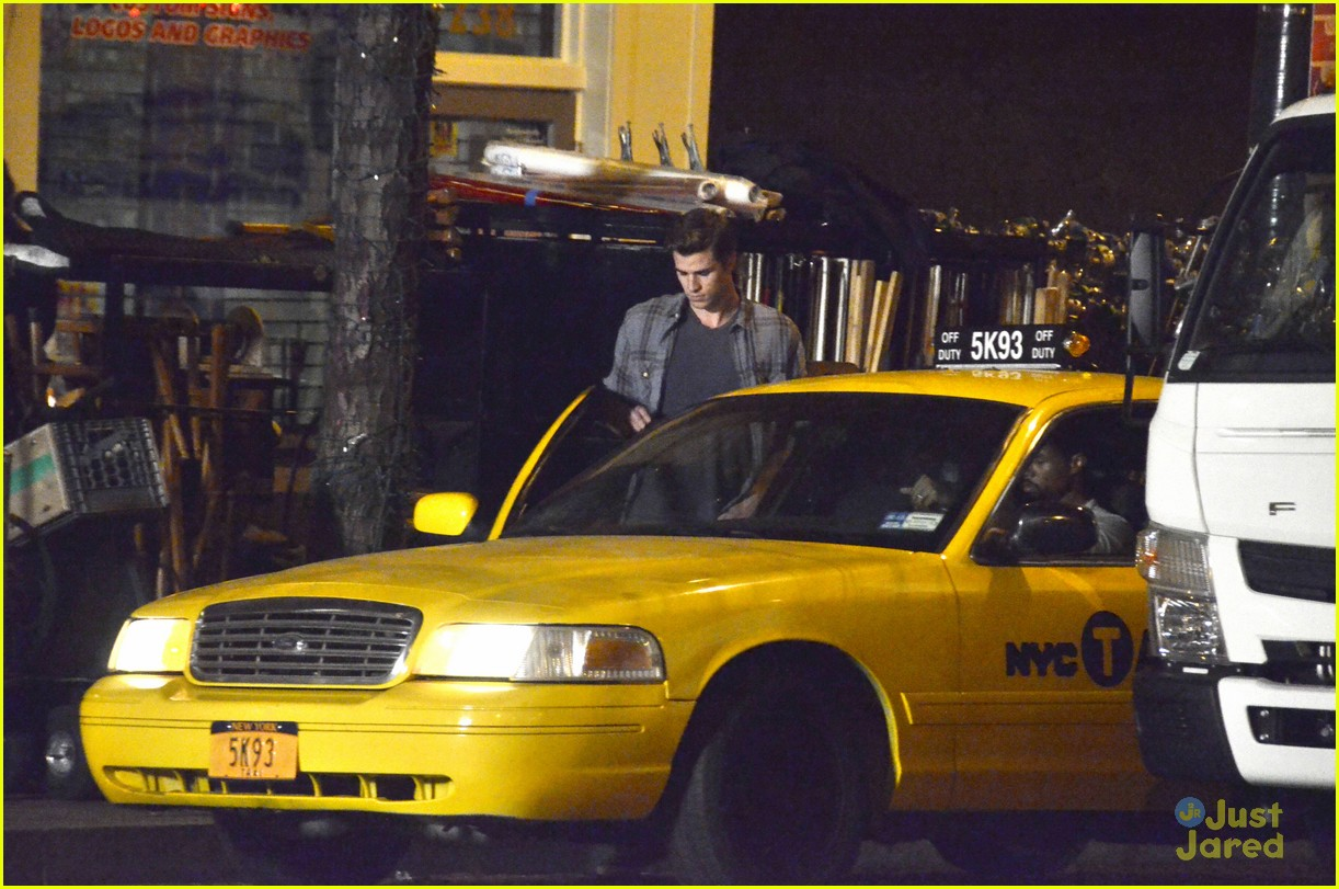 liam hemsworth paranoia set 07