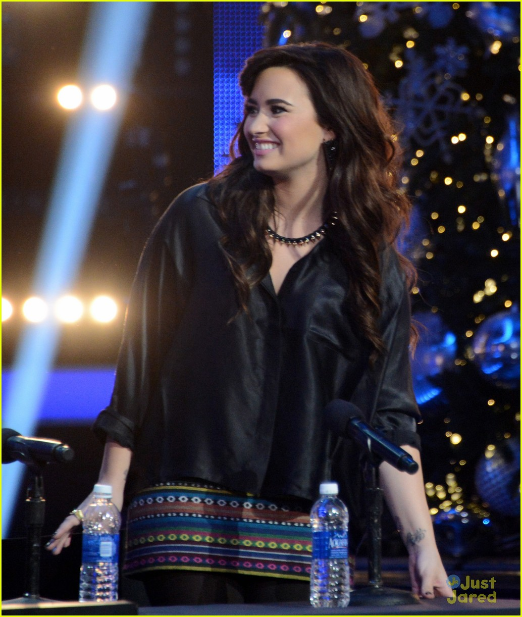 demi lovato xfactor news conference 11