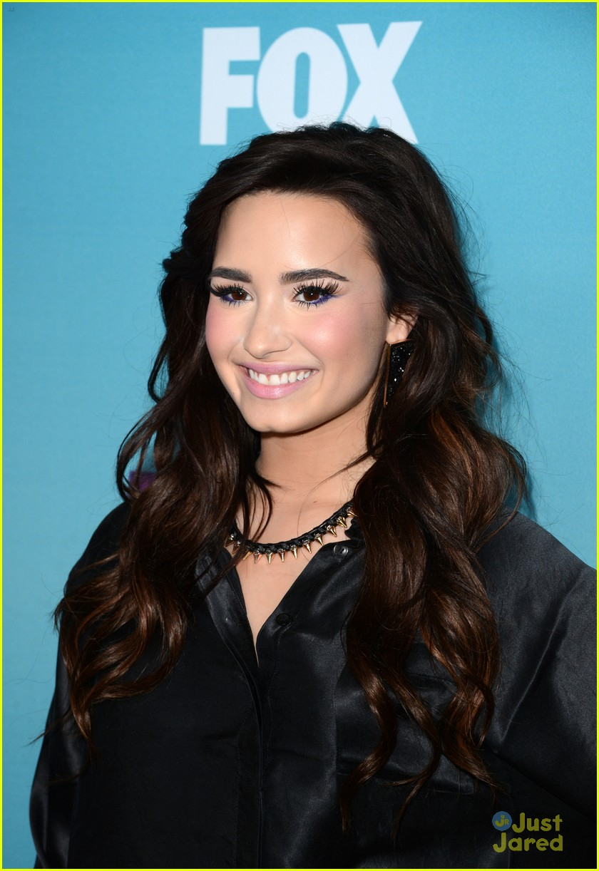 demi lovato xfactor news conference 14