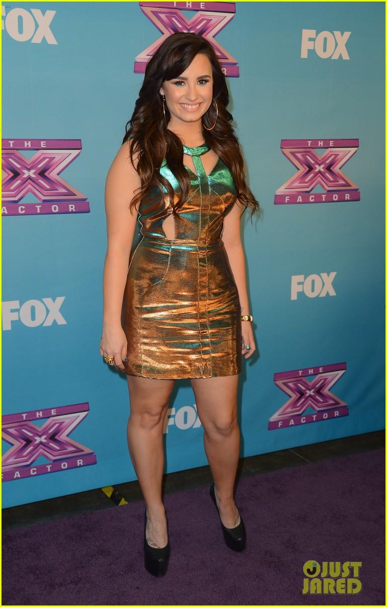 Britney Spears & Demi Lovato: 'X Factor' Finale Red Carpet