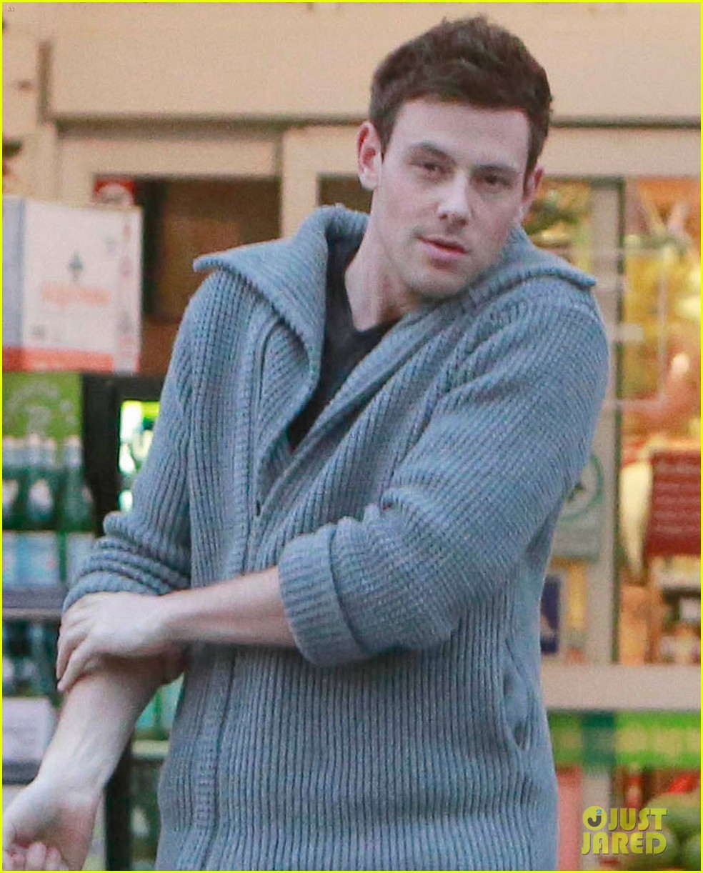 cory monteith bristol farms shopper 02