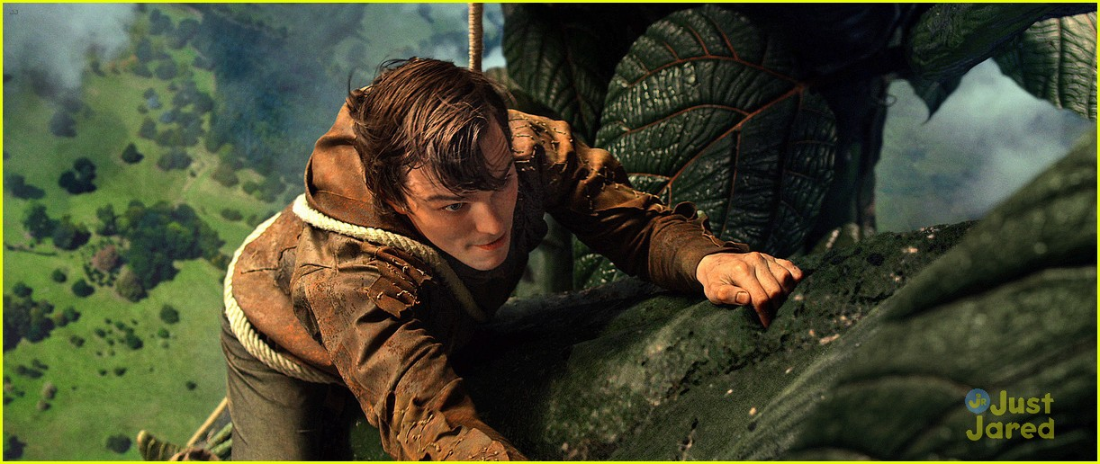 nicholas hoult jack giant slayer 01