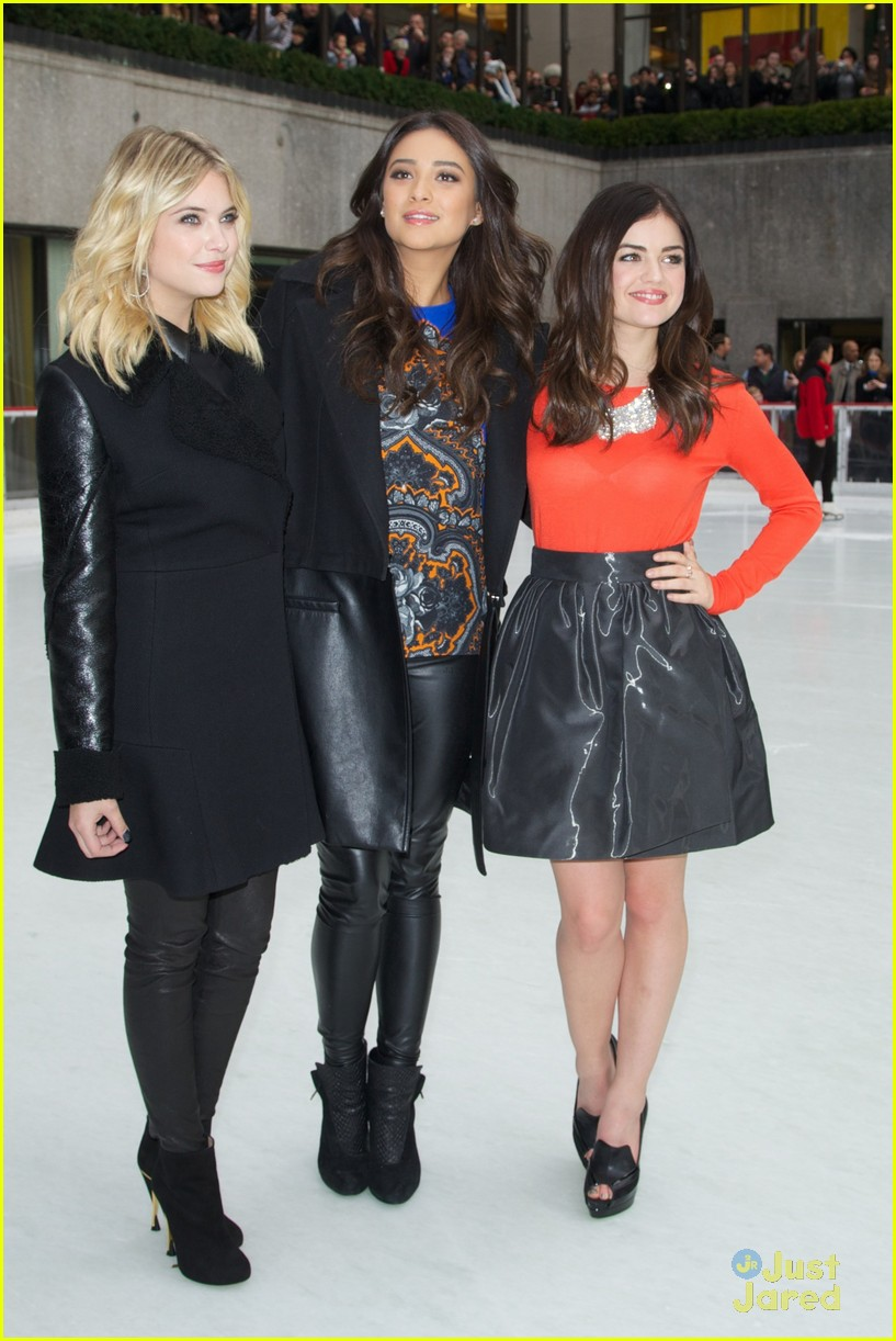 shay mitchell lucy hale ashley benson winter wonderland 10