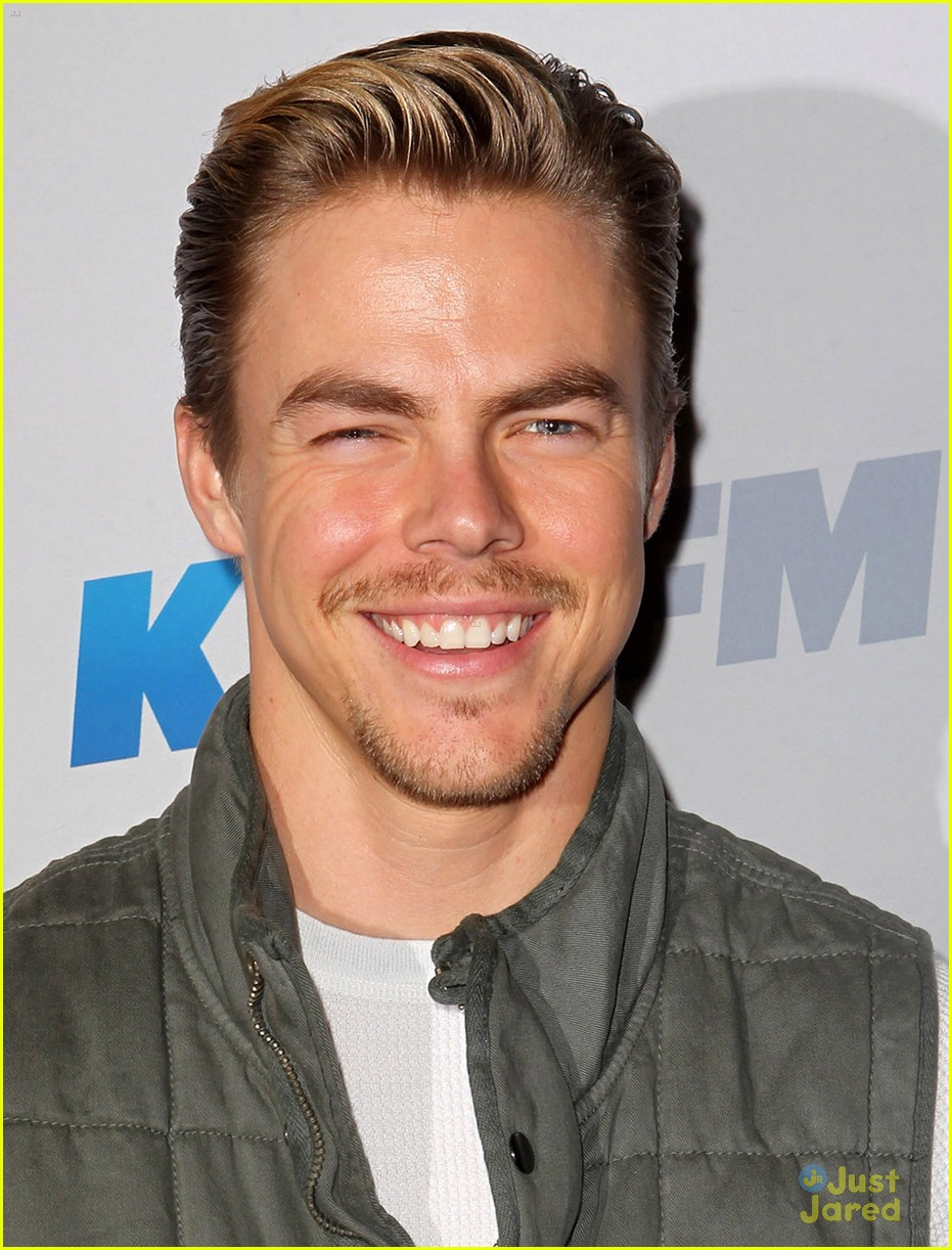 shawn johnson derek hough jingle ball 13