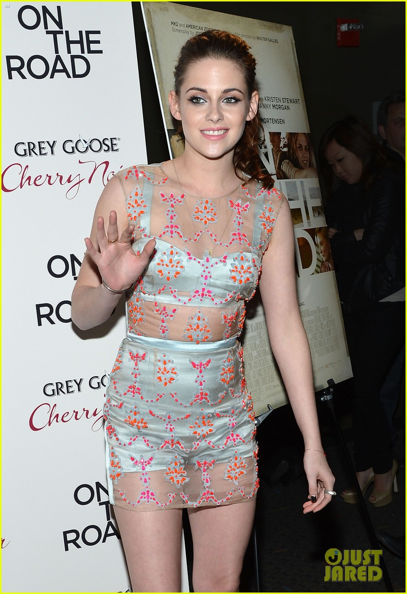 kristen stewart on the road premiere nyc 11