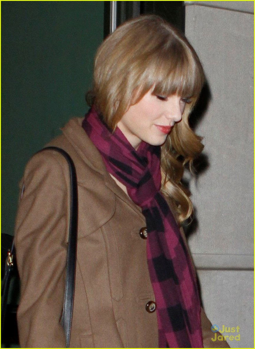 harry styles taylor swift hands party 10