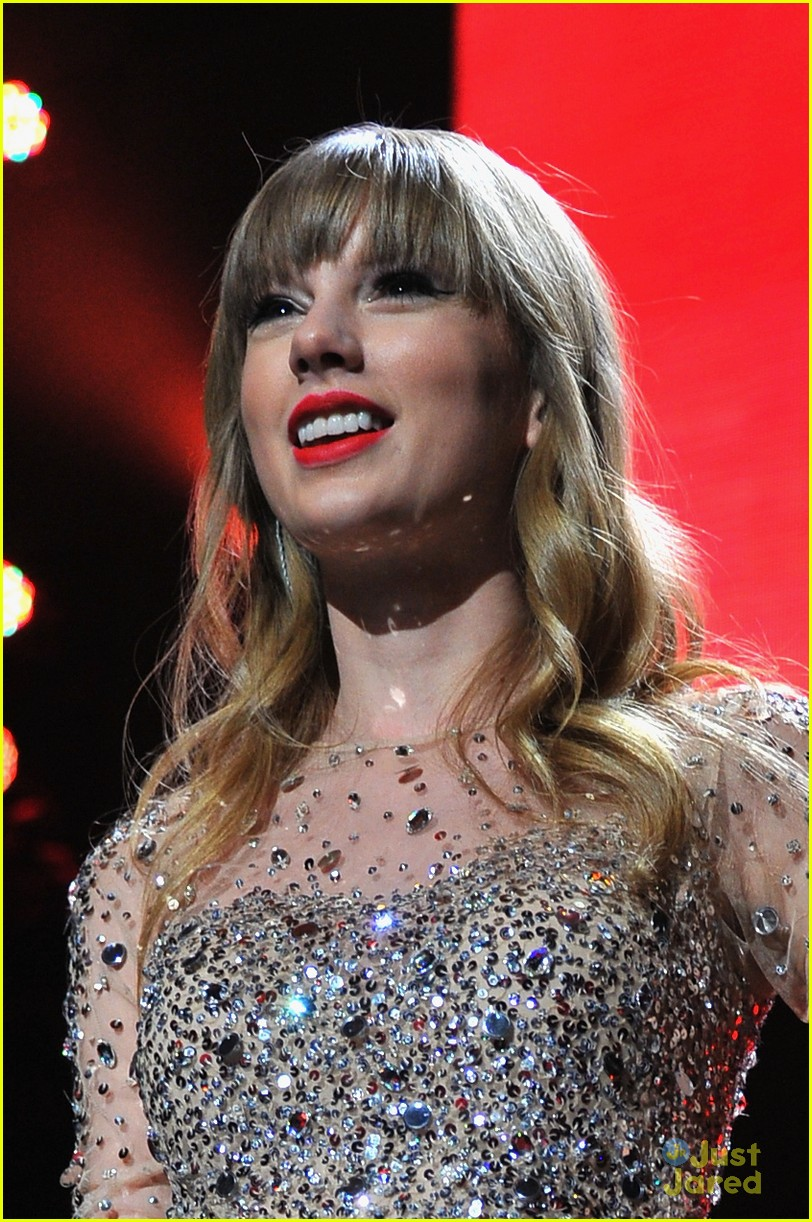 taylor swift z100 jingle ball 07