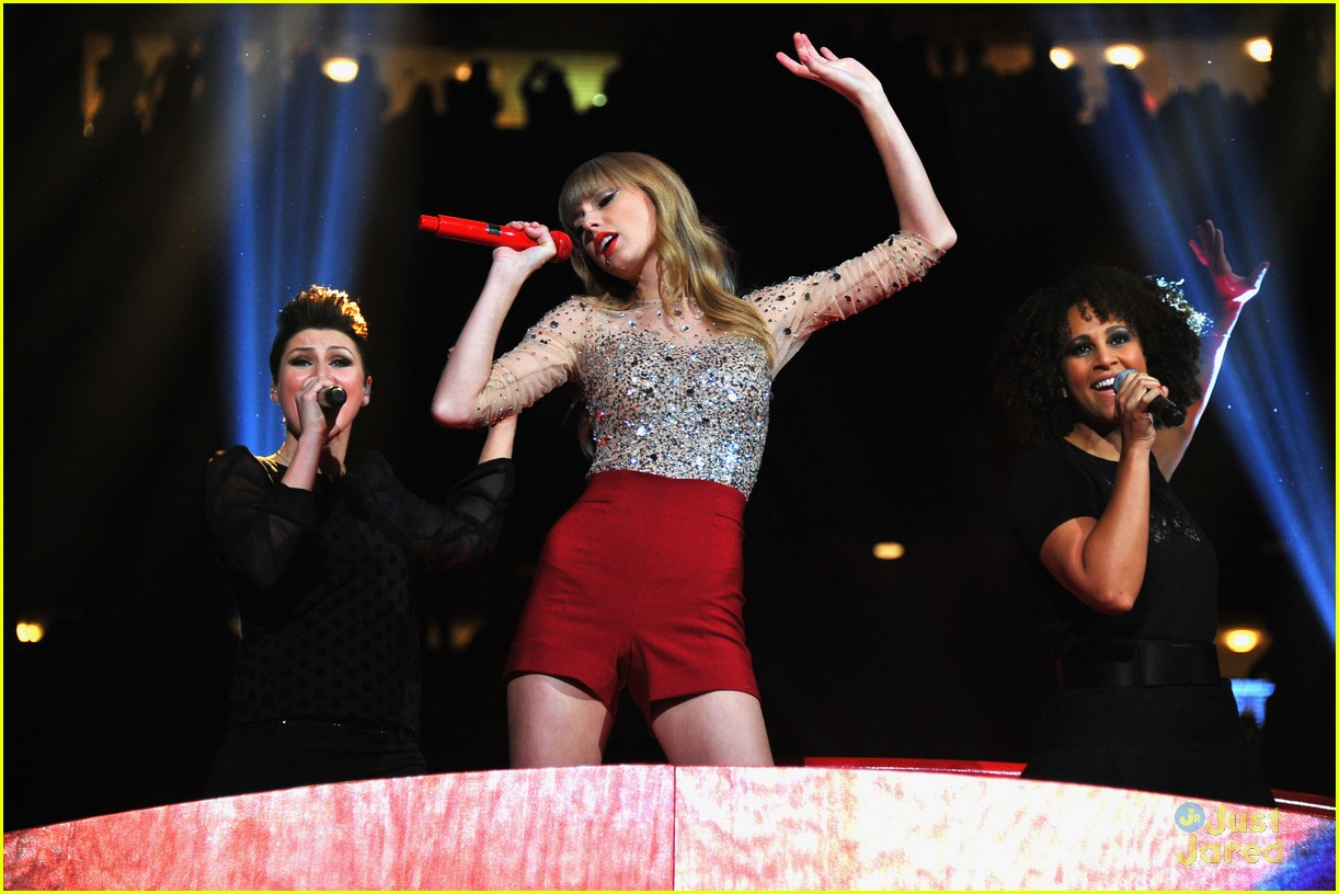 taylor swift z100 jingle ball 21