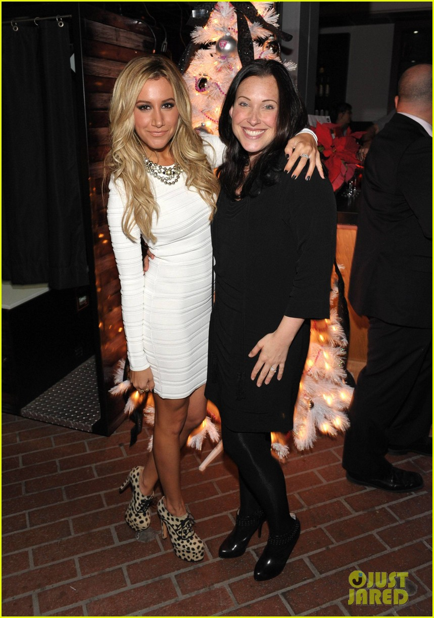 ashley tisdale blondie girl holiday party 17